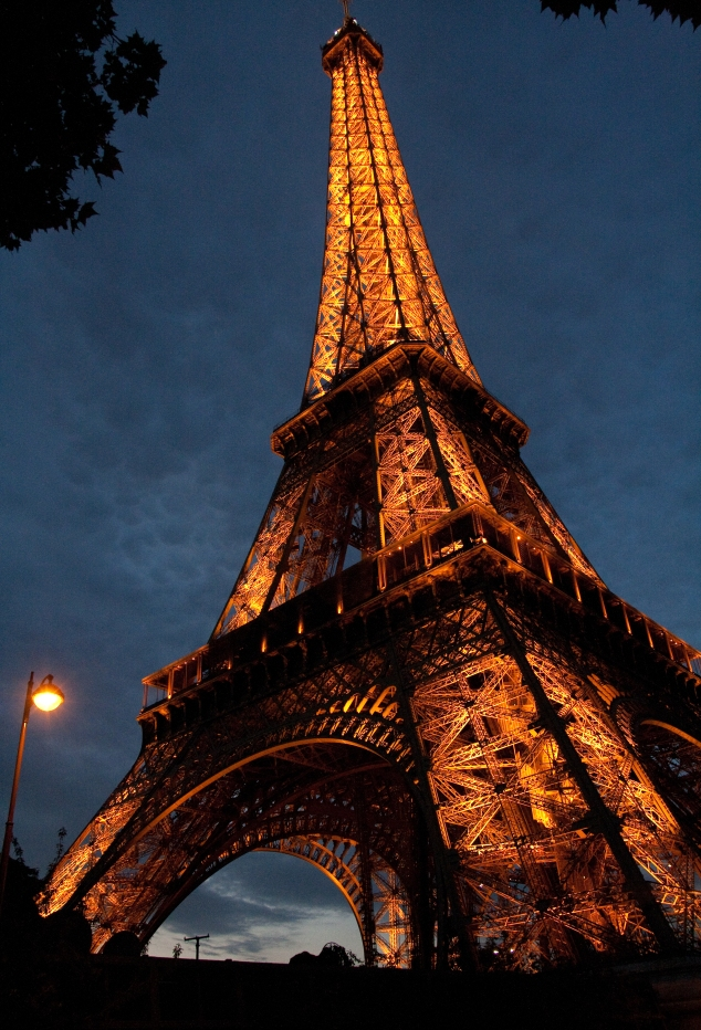 My lucky shot of the Eiffel Tower (straight out of the camera - no editing).